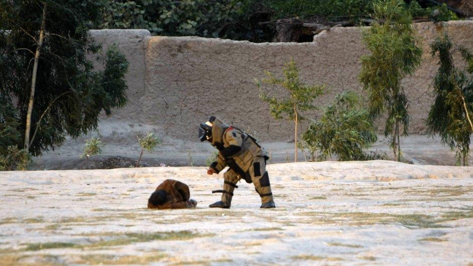 Afghánci zadrželi atentátníka předtím, než se odpálil.