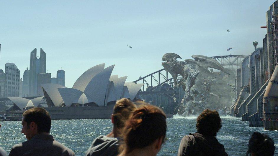 Mořská příšera ve filmu Pacific Rim útočí i na australské Sydney.
