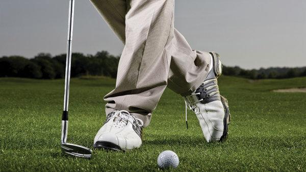 Americk� golfista ve 103 letech zahr�l jamku na jednu r�nu