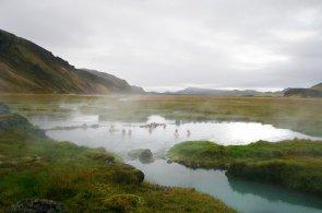 Teplo v zemi ledu. Termální prameny na Islandu zahřejí zkřehlé tělo i duši
