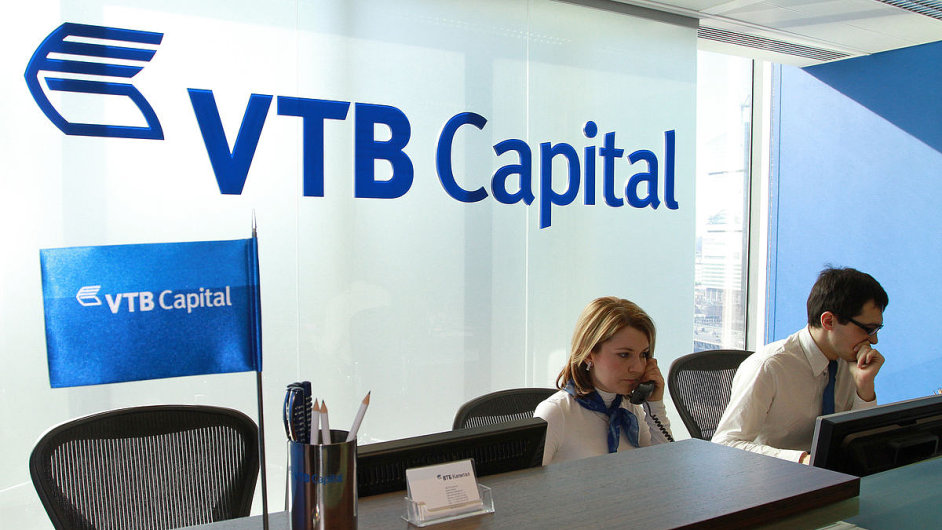 Druhé největší ruské bance VTB v uplynulém roce prudce klesl čistý zisk (ilustrační foto).