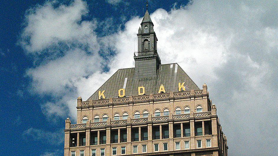 Firma Eastman Kodak Company vyrábí 35mm film ve své továrně v newyorském Rochesteru.