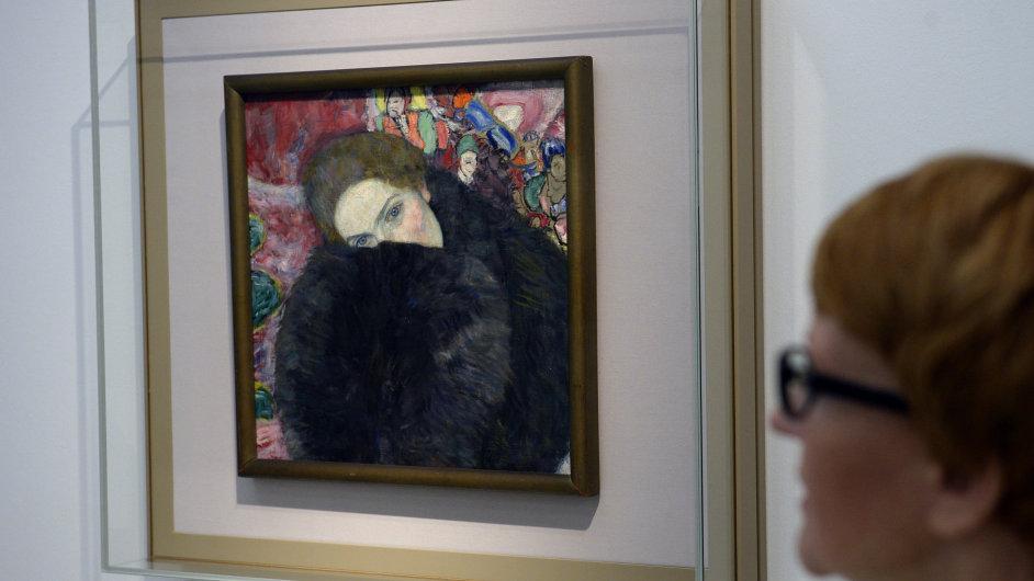 Obraz Gustava Klimta Dáma s rukávníkem byl naposledy vystaven ve Vídni v roce 1926. Na snímku je z letošního června.
