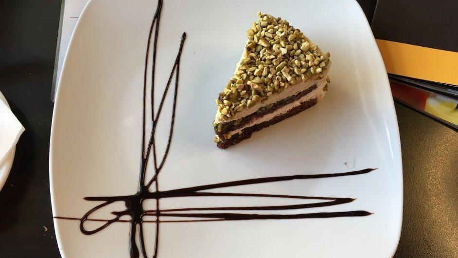 Pistáciový dort v Cacao Prague