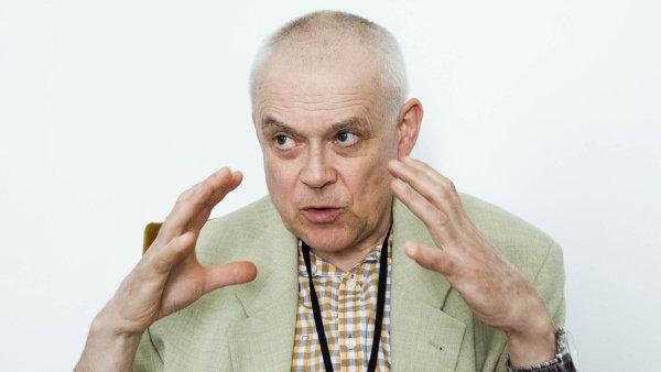 Kvůli digitalizaci v ČR ubude až 53 procent pracovních míst, tvrdí Vladimír Špidla.