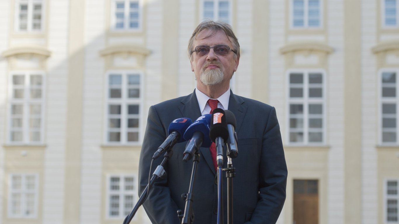 Stanislav Štech nahradí Kateřinu Valachovou na postu ministra školství.