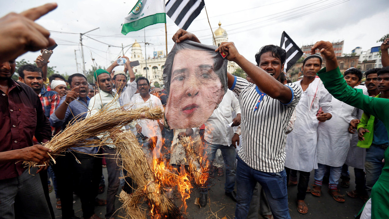 Nepokoje v Barmě mezi místní vládou a rohingskou menšinou se nadále stupňují.