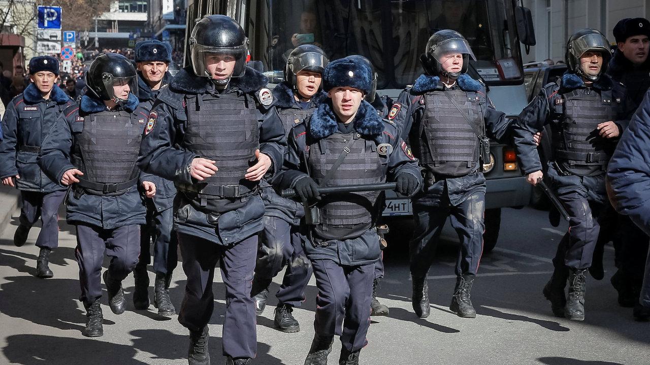 Rusko, policie, protest, demonstrace