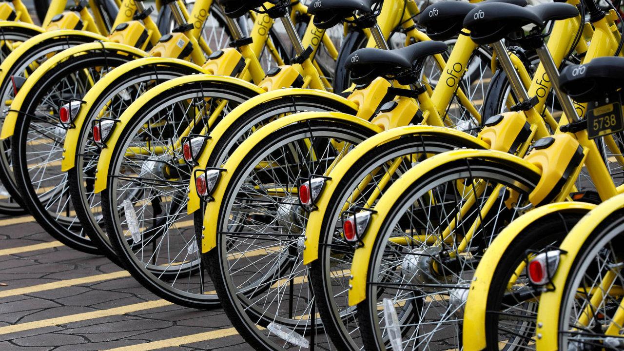 """""""Postižená"""" čínským bikesharingem je iPraha, respektive její sedmá městská část, kam ofo loni umístilo 300kol."""