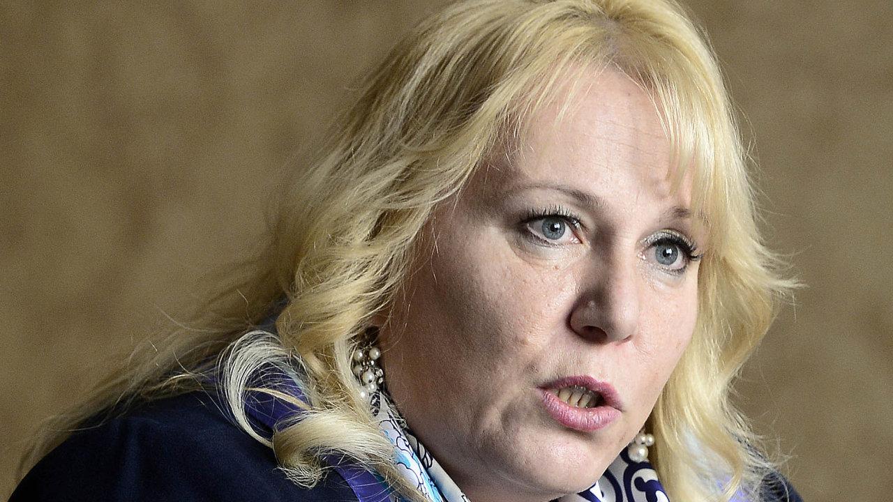 Návrh, aby státní tajemníci na ministerstvech už nebyli kárně odpovědní, předložila ministryně pro místní rozvoj Klára Dostálová (za ANO).