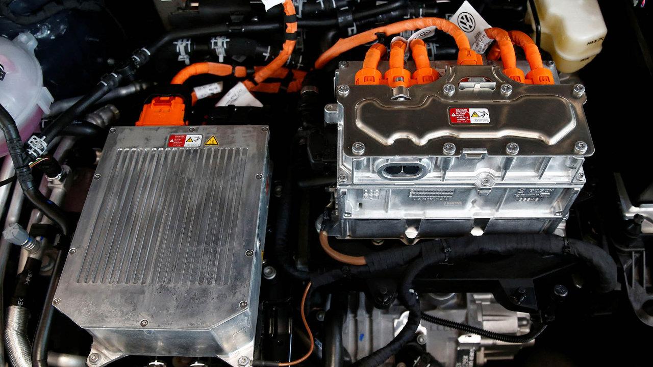 Čeští dodavatelé autodílů jsou závislí na produkci pro vozy se spalovacími motory. Boom pohonu na elektřinu (na snímku) by mu mohl způsobit potíže.