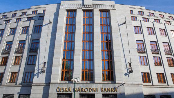 Představenstvo WPB Capital tvrdí, že ČNB novým správním řízením obchází soudní rozhodnutí. - Ilustrační foto.