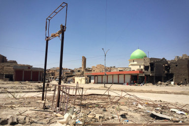 Západní Mosul ožívá: V bývalé baště IS funguje jediná ze šesti nemocnic. Pomáhají centra primární péče, která vybavili i Češi