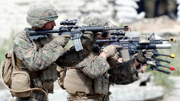 Američtí vojáci při cvičení Saber Strike, které se letos v červnu konalo v Lotyšsku.