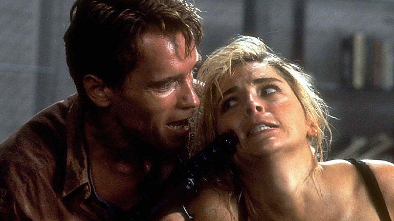 Schwarzeneggerův Total Recall byl příliš brutální. Museli ho přestřihat