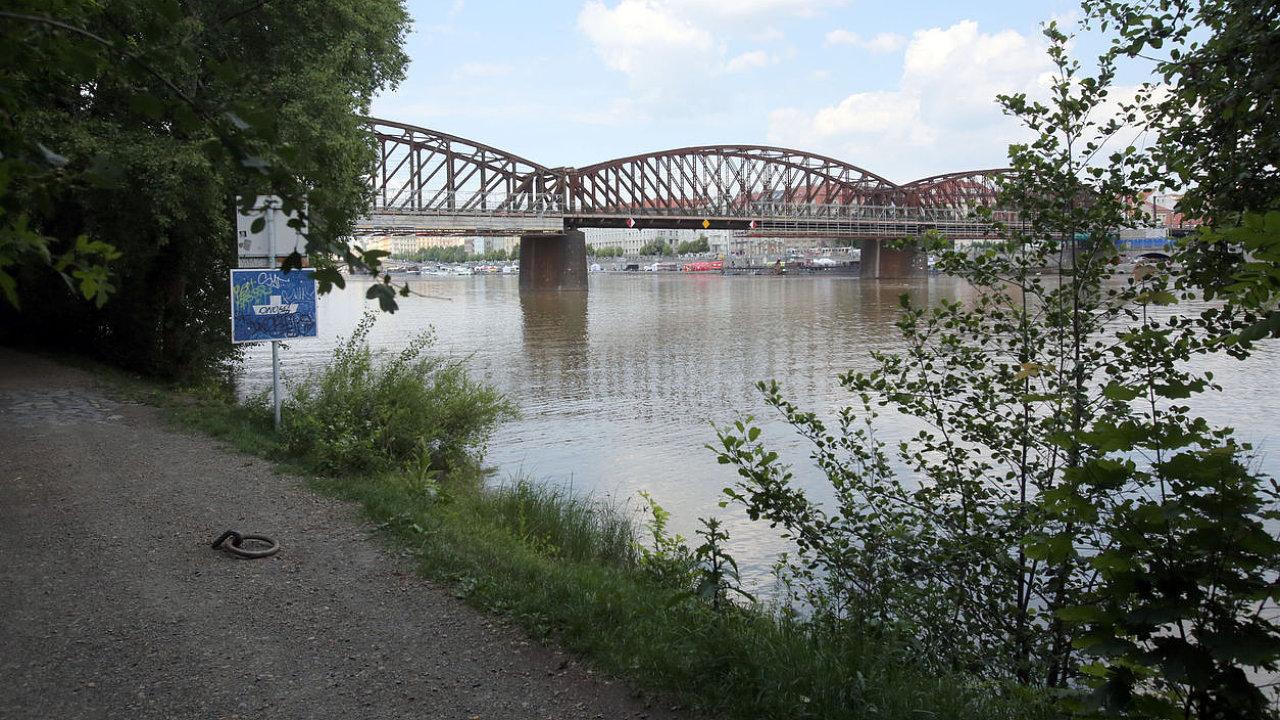 Most pod Vyšehradem.
