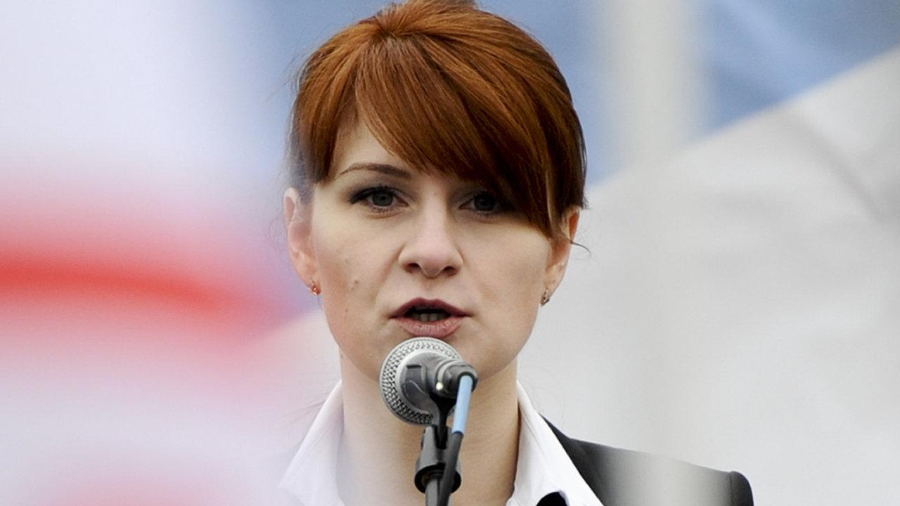 Ruska Marija Butinová zadržená ve Washingtonu pro podezření ze spiknutí proti USA se přiznala, že se snažila proniknout do americké Národní asociace držitelů zbraní.