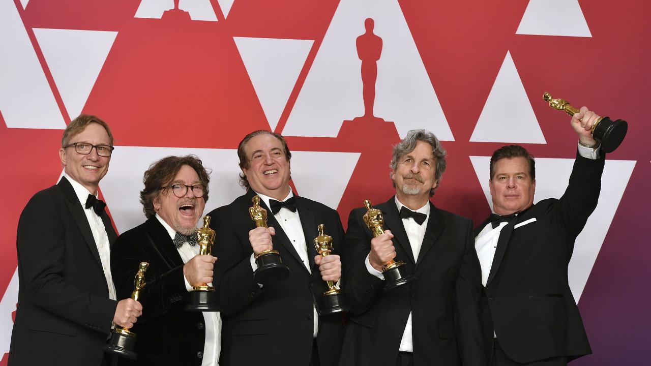Oscara za nejlepší film loňského roku získal snímek Zelená kniha. Nejvíce  ocenění dostala Bohemian Rhapsody 4874ea332a7