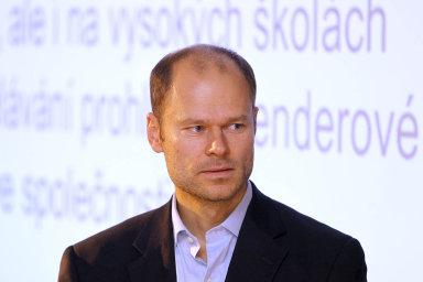 Podle viceprezidenta Svazu průmyslu a dopravy Radka Špicara má pozlacování bránit už současný systém hodnocení dopadů regulace nezávislou komisí.