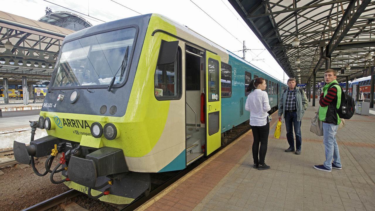 Systém jednotných jízdenek by měl vyřešit současnou situaci, kdy si cestující musí kupovat samostatné jízdenky podle dopravce, se kterým právě jedou.