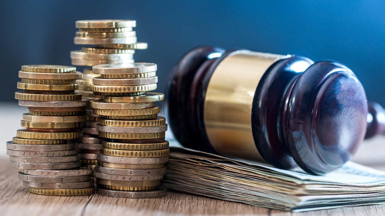 Resort spravedlnosti připravil novelu zákona, kterou má dojít kezvýšení většiny soudních poplatků. Cílem je především zamezit zbytečnému zahlcování soudů apodávání šikanózních žalob.