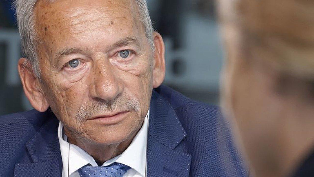 Zemřel předseda Senátu Jaroslav Kubera. Připomeňte si ho v rozhovoru DVTV.