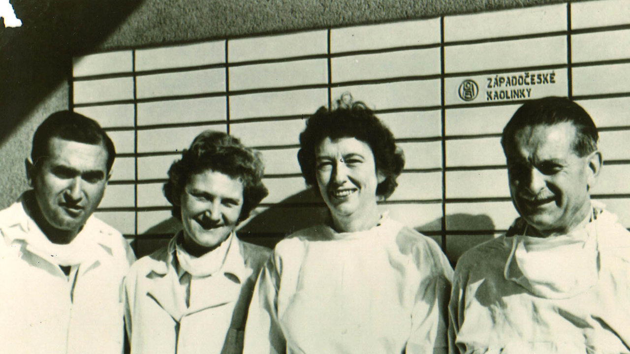Ervín Adam a jeho žena Vlasta (na snímku zleva) působili v 50. a 60. letech v nemocnici Na Bulovce a mimo jiné se zasloužili o zastavení epidemie obrny.