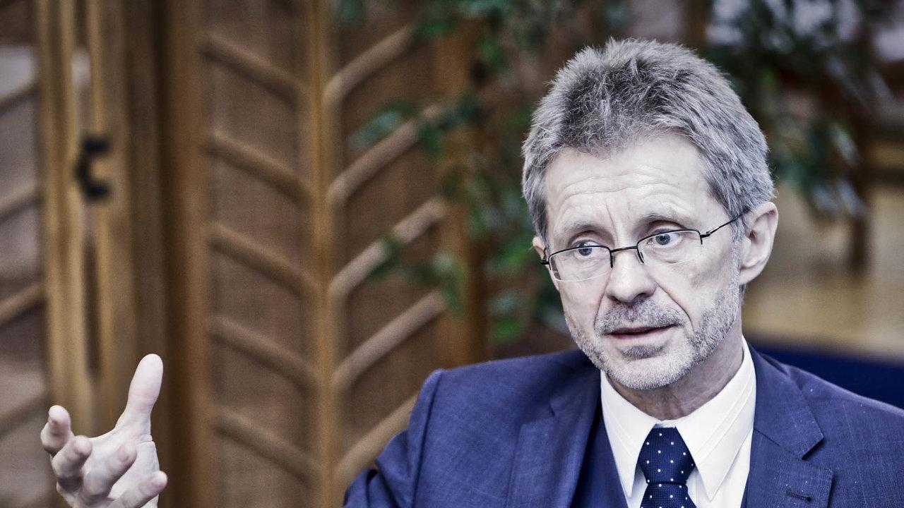 Předseda Senátu Miloš Vystrčil (ODS) poletí přes nesouhlas prezidenta Miloše Zemana naTchaj-wan.