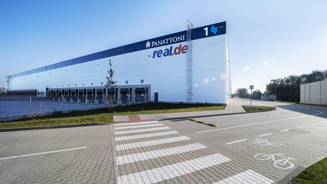 Ekologicky šetrnou halu pro německého on-line prodejce Real Digital vybudovali Panattoni a investor Accolade.