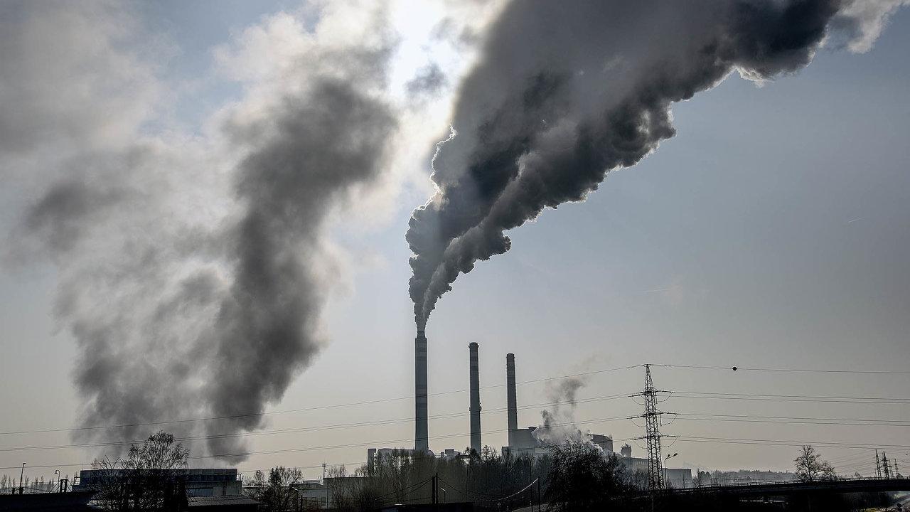 Česko je vrámci Evropy inacelém světě jednou zezemí snejvyššími emisemi oxidu uhličitého naosobu.