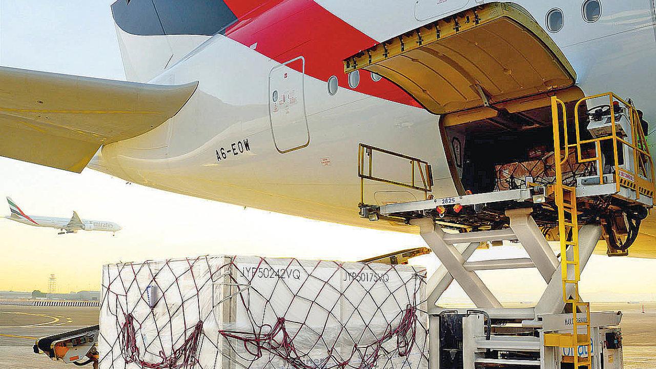 Nákladní divize letecké společnosti Emirates SkyCargo začala využívat Airbus A380 pro urgentní přepravu nákladního zboží vrámci své letecké sítě.