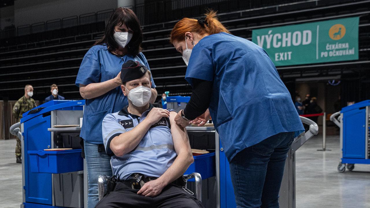 Během pátku by v centru mělo být 1000 policistů, vojáků, hasičů či zdravotníků.