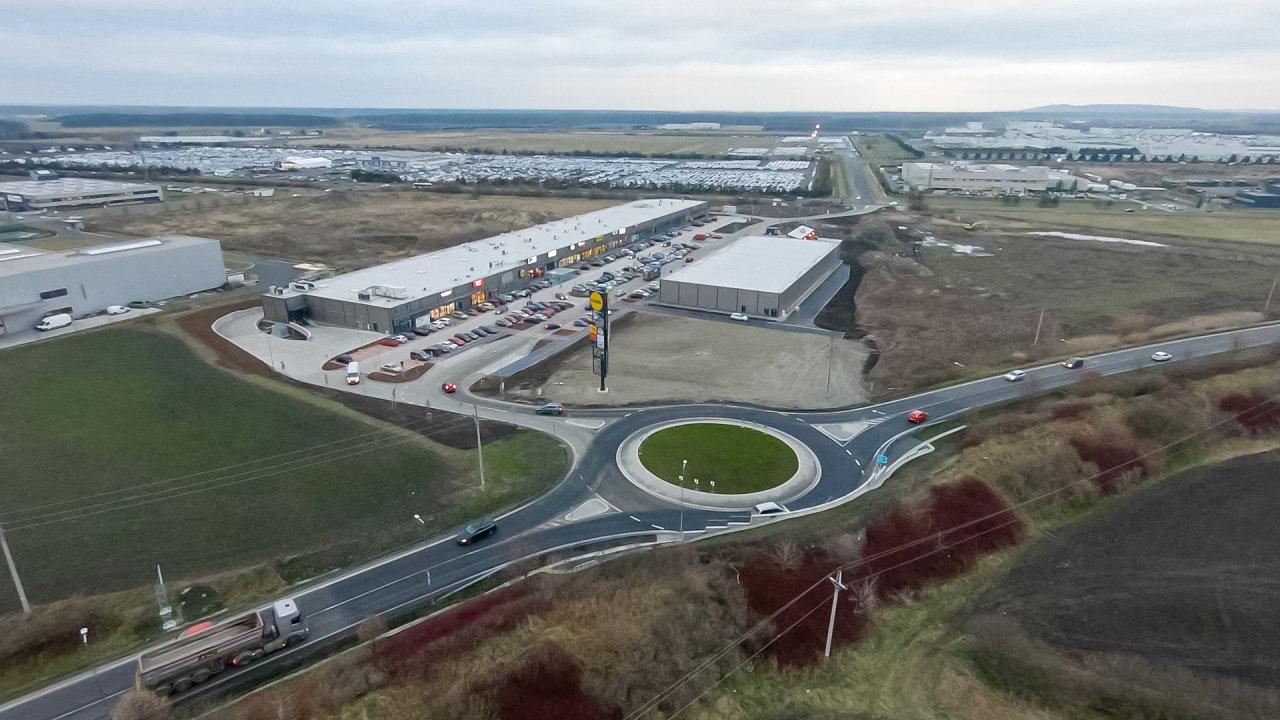 Největší maloobchodní park v Česku loni vyrostl v Ovčárech u Kolína. Stojí na strategickém místě poblíž automobilky Toyota.