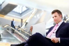 praca_biznis_laptop_kariera_podnikatel