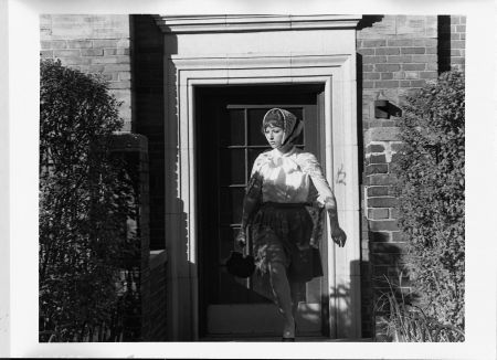 Cindy Sherman: Untitled Film Still # 20, 1987 (�ernob�l� fotografie 101,6 x 122,4 cm, Kunstmuseum Wolfsburg)