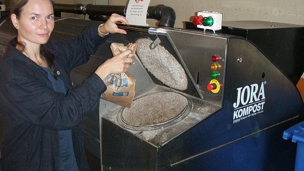 Odd�len� sb�r bioodpadu lze realizovat z �spor, kter� obci p�inese sn�en� n�klad� na likvidaci sm�sn�ho komun�ln�ho odpadu.