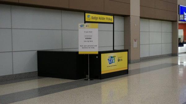 badge pickup na letišti
