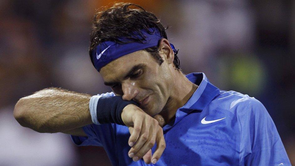 Roger Federer v zápase s Robredem