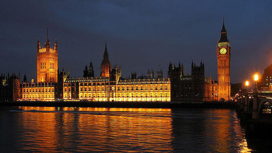 Londýn je jedním z mála měst, kterým svědčí snoubení historické tradice s moderním pokrokem.