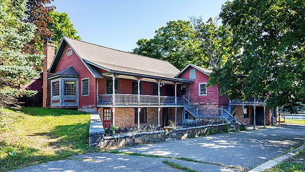 V USA dra�ili vesnici duch�. Johnsonville byl prod�n za 1,9 milionu dolar�