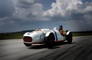 Škoda zrestaurovala unikátní závoďák z padesátých let