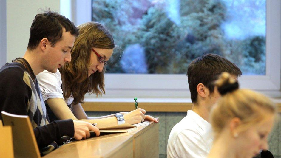 Studenti - Ilustrační foto.