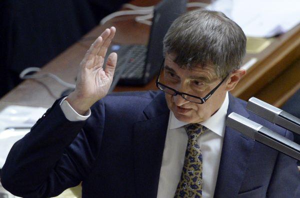 Ministr financí Andrej Babiš na mimořádné schůzi sněmovny.
