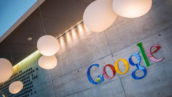 Alphabet, mateřská skupina Googlu, je nejhodnotnější firmou obchodovanou na burze.