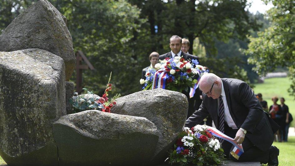 Ministr kultury Daniel Herman se v Letech u Písku zúčastnil vzpomínkové akce k uctění obětí romského holokaustu a romského koncentračního tábora Lety.
