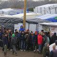 Uprchl�ci ve francouzsk�m t�bo�e Calais.