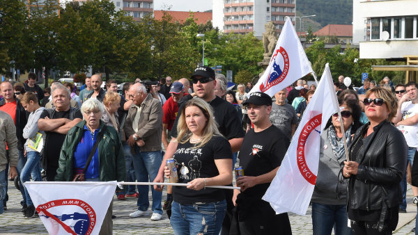 Protesty proti islamizaci pořádá hnutí Úsvit a Blok proti islamizaci.