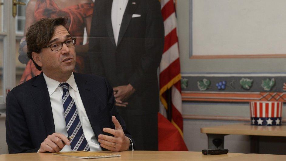 Předseda Rady ekonomických poradců prezidenta Baracka Obamy Jason Furman se setkal 16. listopadu v Praze s novináři.