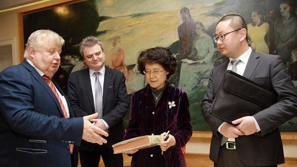 Čínská velvyslankyně navštívila Vítkovice.