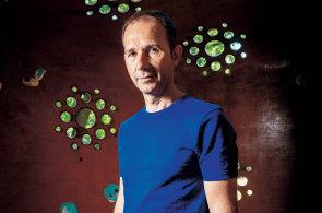 Krátkodobým trendům se vyhýbám, říká restauratér Tomáš Karpíšek. Podniky buduje s vizí nesmrtelnosti